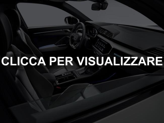 Foto interni abitacolo nuovo Suv coupe Audi Q3 Sportback 2019