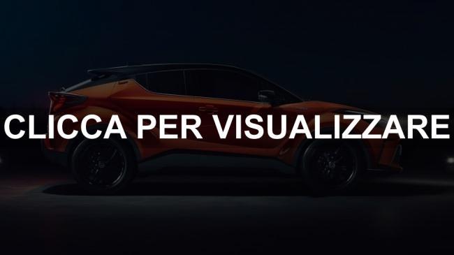 Immagine fiancata nuova Toyota C HR restyling 2020 con nuovo motore ibrido
