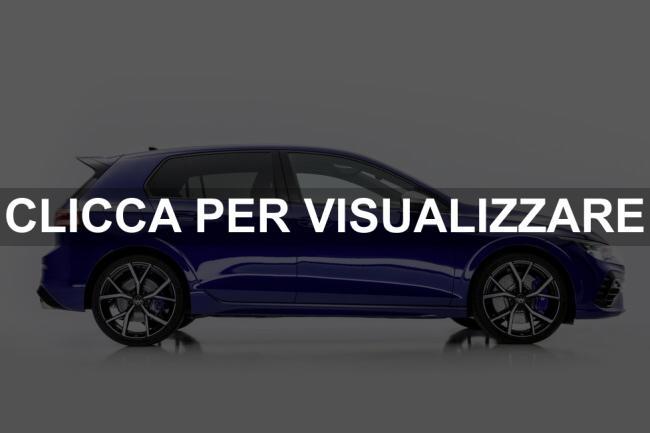 Foto fiancata nuova Volkswagen Golf R 2021